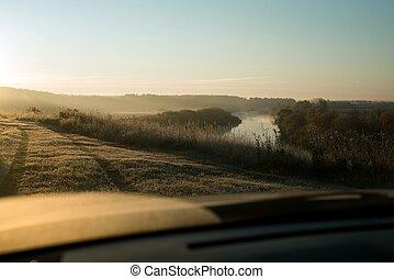 pittoresque, voiture, champ, rivière, levers de soleil, vue