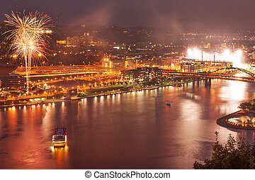 Pittsburgh North Shore at night - Night view of Pittsburgh ...