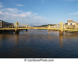 pittsburgh, puentes, daytime.