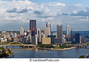 Pittsburgh skyline - Image of Pittsburgh downtown skyline at...