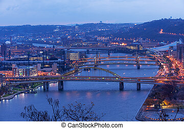 Pittsburgh, Város, Bridzs