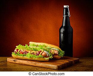 pivo, hotdogs