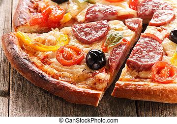 pizza, en, textura de madera, plano de fondo