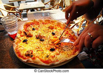 Pizza in Pizzeria