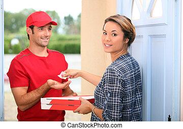 pizza obsadzają, dostarczając