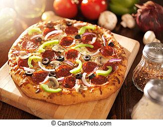 pizza suprema, toppings, pepperoni, italiano