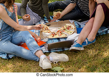Pizza time for students in campus.