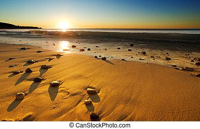 pláž, západ slunce