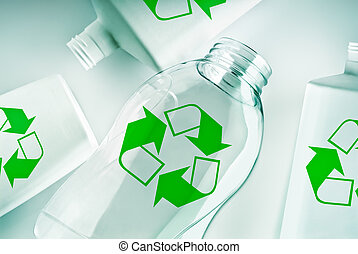 plástico, recipientes, com, recicle símbolo