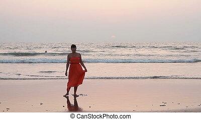 plaża., kobieta, strój, czerwony, taniec