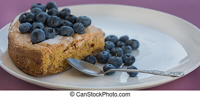 placa blanca, con, arándano, pastel