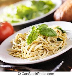 placa, Espaguetis, salsa,  Pesto, italiano