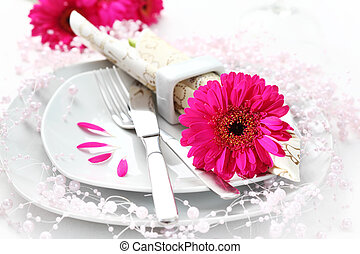 Place setting in pink