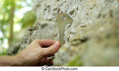 placer, lame, calcaire, fissure, marteau, piton