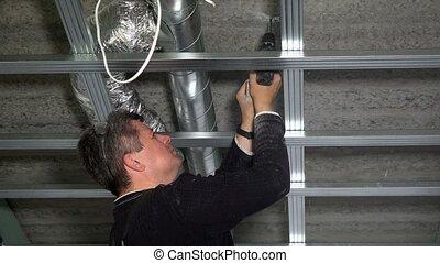 plafond, fixation, profils, tournevis, foret, sans fil, ...