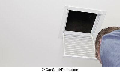 plafond, remplacer, air, filtre, petit homme