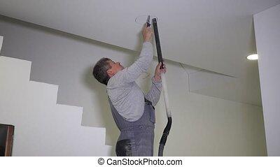 plafond, scier, scie main, électricien, trou, gypse, homme
