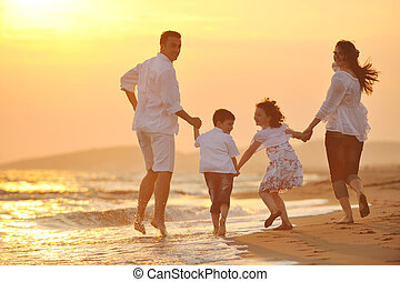 plage, coucher soleil, famille, heureux, amusement, avoir, jeune