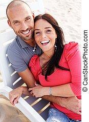 plage, couple, deux âges, sourire heureux