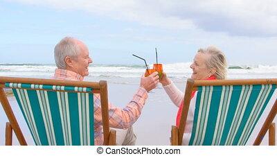 plage, couple, lunettes, cocktail, vieux, vue, caucasien, côté, grillage, personne agee, 4k