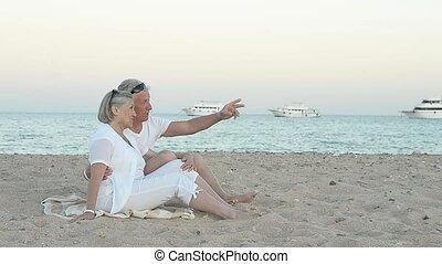 plage, couple, séance, personnes agées