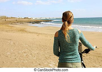 plage, dos, style de vie, marche femme, sable, vue, vélo, long