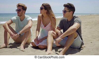 plage, femme, groupe, jeune, délassant