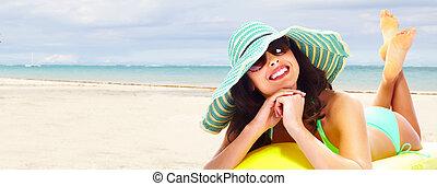 plage., femme relâche