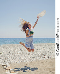 plage, femme, sauter, heureux