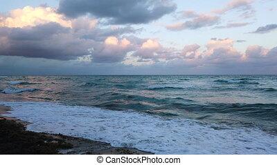 plage miami, vagues, océan coucher soleil