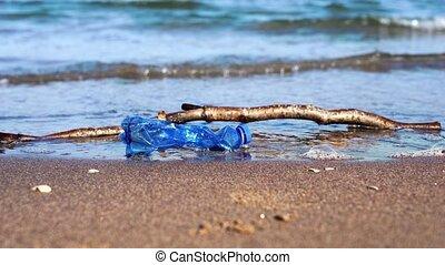 plage, mouillé, chiffonné, bouteille, mensonge, crosse, ...