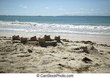 plage, sandcastles