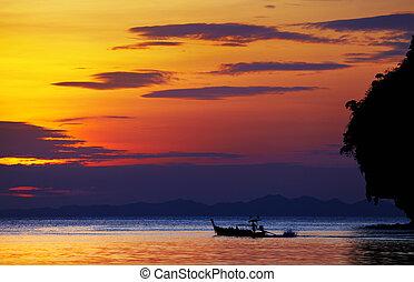 plage tropicale, coucher soleil