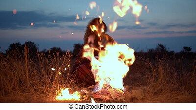 plaid, girl, evening., brûler, séance, chaud