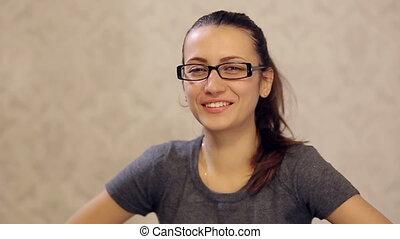 plaisanterie, femme, rire, lunettes
