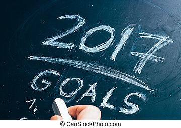 Plan a list of goals for 2017 hand written on blackboard