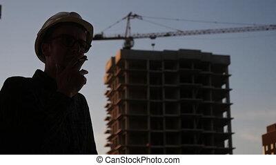 plan, casque, silhouette, regard, constructeur, papier, usure, construction, smoking., sécurité, ingénieur