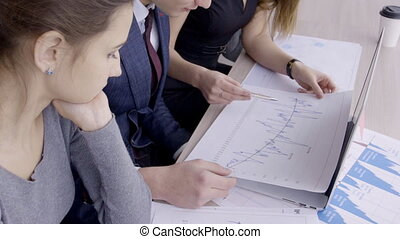 plan, professionnels, company., mener, séance, jeune, table, discuter