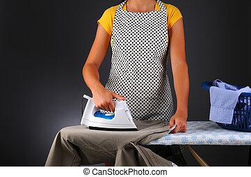 planchado, mujer, ropa