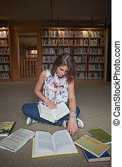 plancher, livres, étudiant féminin, bibliothèque, séance