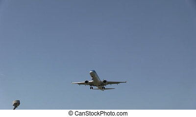 Plane flying overhead - This is some high quality footage of...