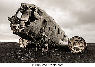 Plane Wreck Iceland - The abandoned wreck of a US military...