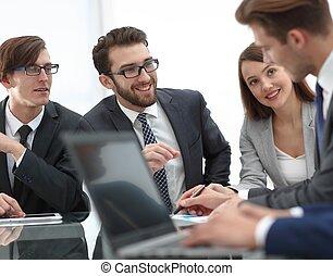plano de fondo, imagen, de, hombre de negocios, en el escritorio