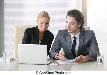 plany, handlowy zaludniają, praca, dwa, dyskutując