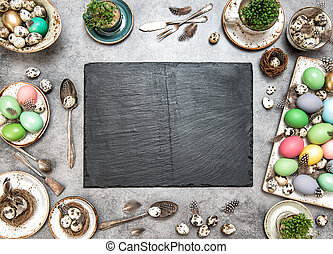 plaque, coloré, oeufs, décoration, table, paques, ardoise