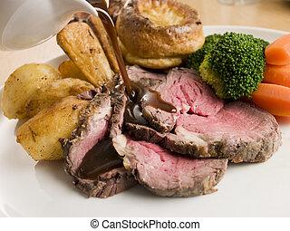 plaque, jus viande, boeuf, être, yorkshire, versé, pudding, ...