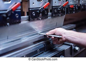 plaque, métal, contre, tenu, machinerie, fabrication
