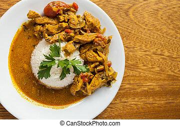 plaque, plat, bois, sur, blanc, juteux, lay., clair, arrière-plan., vue, poulet, riz, curry, sommet