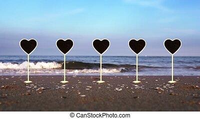 plaques, formé, océan, mouillé, ensemble, stands, plage, coeur, sable