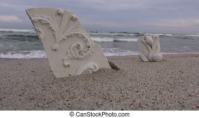 Plaster cast pieces by the sea - Ornamental and floral...